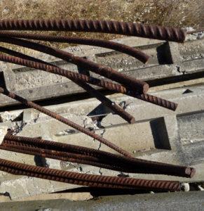 Scrap and concrete IXX